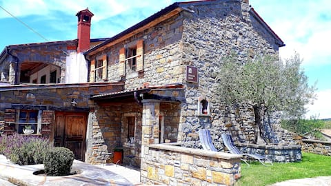 Wine house Rakar