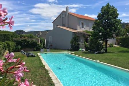 Maison de Famille village Provençal - Sablet