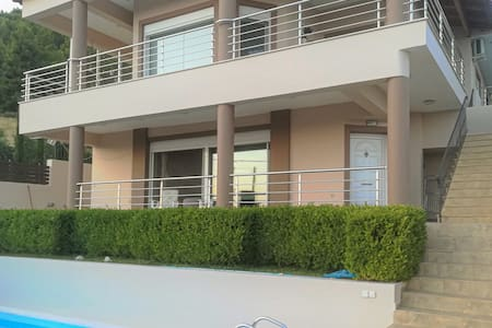 Holiday cottage with 3 bedrooms on 200m² in Nerotrivia