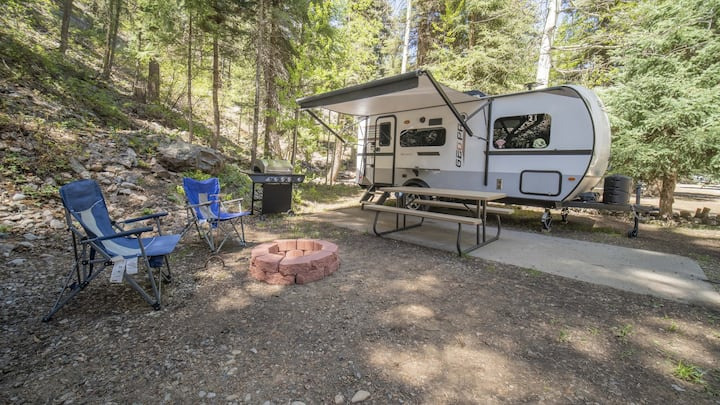 Outdoor Glamping Fully Setup RV BS89
