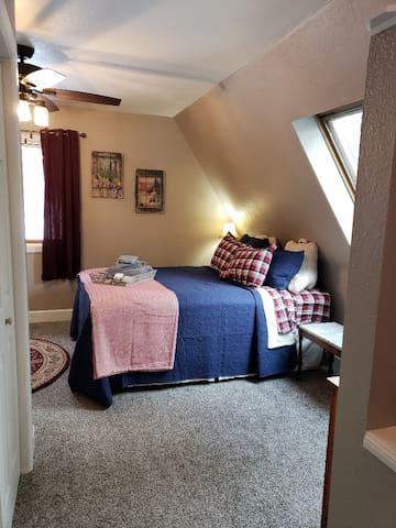 Queen guest bed.