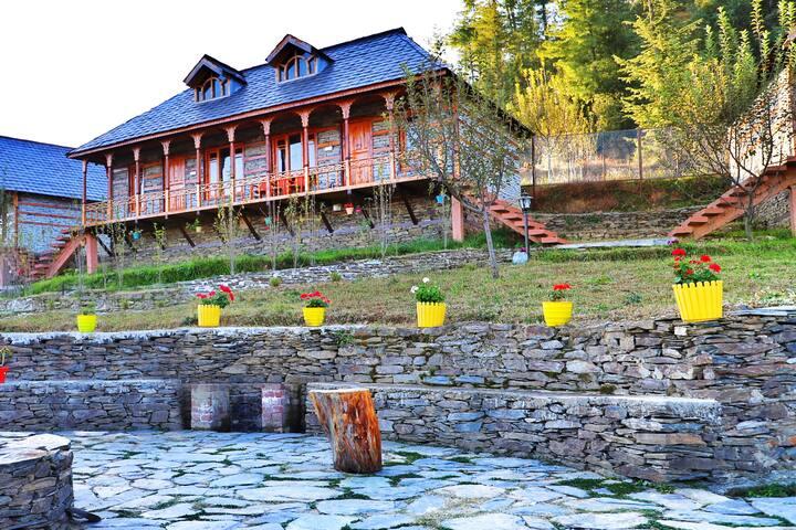 Tranquil Paradise   Pine Wood Cottage  