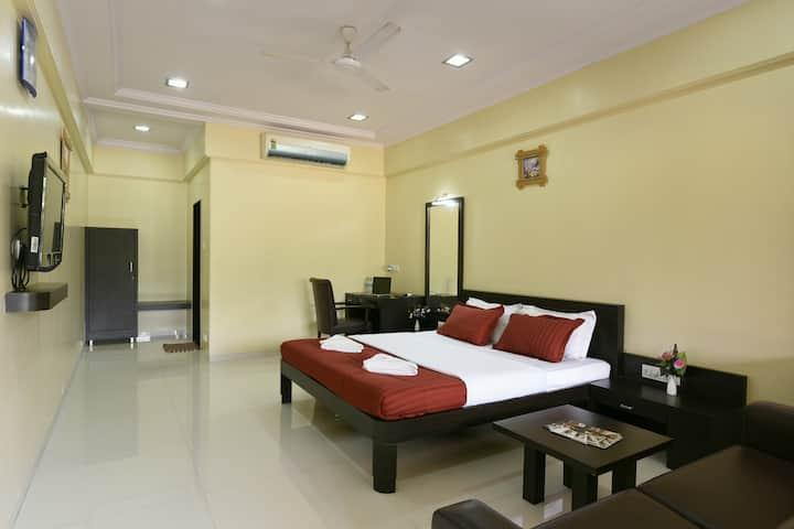 Uk's Resort - Super Deluxe Room