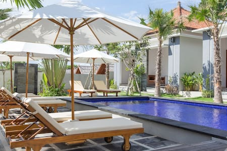 Seaside Beach Cabins by Surf Beaches - South Kuta - Chalet
