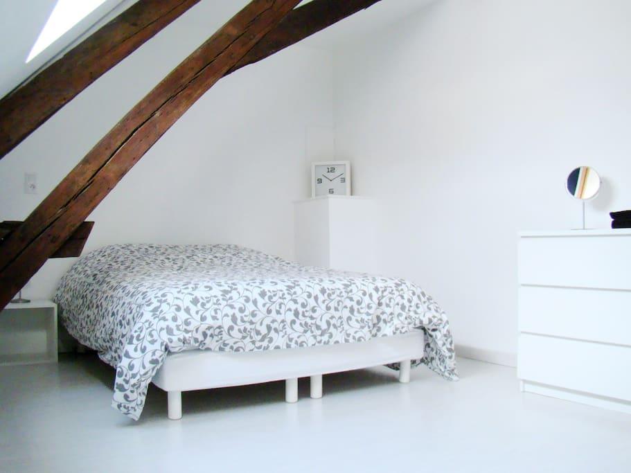 Chambre privée : lit double
