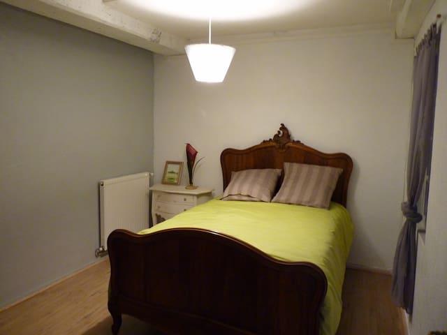 Chambre 2 lit 130