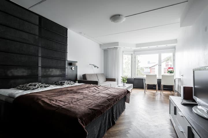 Studio Apartment with Mountain/Lake View