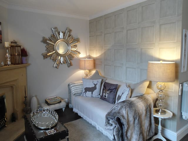 """Boutique Chic "" in Chipping Campden"
