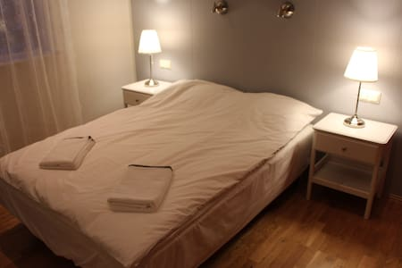 Efra-Sel, room #4 (double bed) - Flúðir - 家庭式旅館