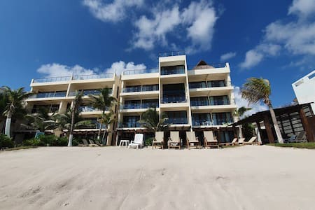 Beachfront 2 bd apartment on  Akumal turtle bay.