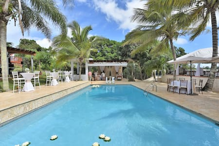 Vacation & Wedding Venue Villa, Sleeps 50! - Isabela - 別荘