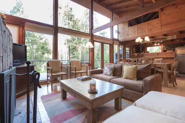 BOG Casa Las Lomitas - 3 suites y hogar a leña