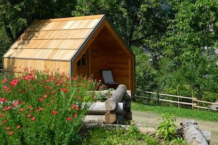 Glamping on organic farm with stunning view - Kovor - Chatka
