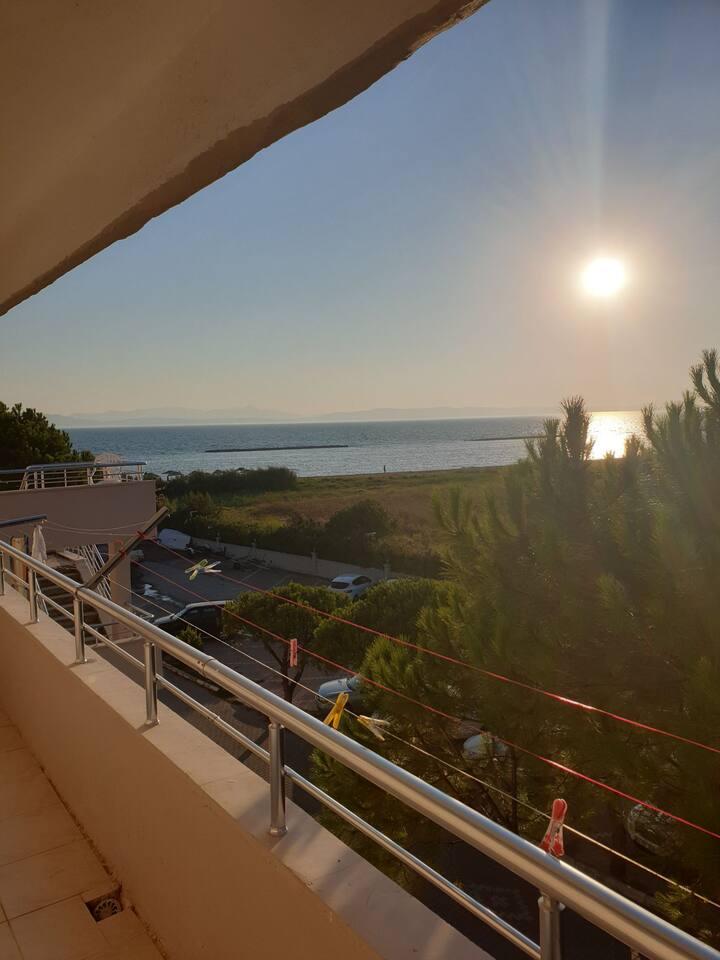 Ayvalık Altınova Sahil Sitesinde Kiralık Ev