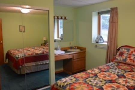 Emerald Harbor - The Green Room