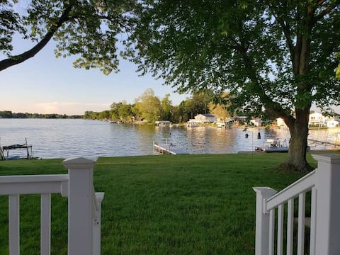 Lakefront Home On All-sports Long Lake