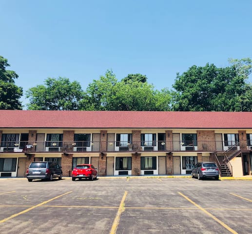 A Beautiful Inn in Niagara Falls, Canada (NDD1)