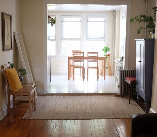 Sunny Apartment in Park Slope