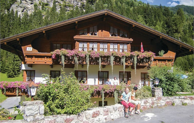 Holiday apartment with 1 bedroom on 70m² in St. Leonhard