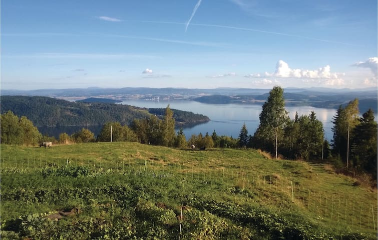 Holiday cottage with 2 bedrooms on 95m² in Mosvik