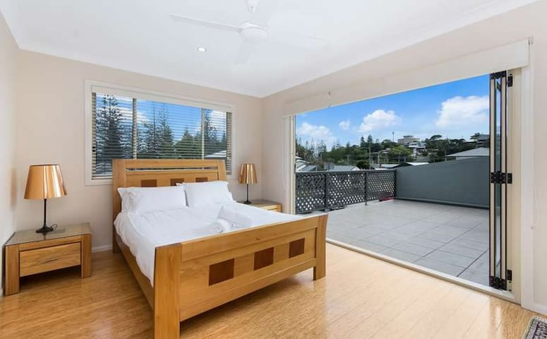 LUXE Yamba PENTHOUSE! The ideal escape...