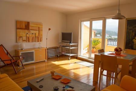 Apartamento a pie de playa - Muros - Huoneisto