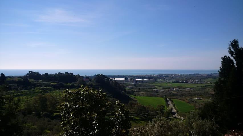 App/villa avec vue en colline - Sellia Marina - Daire