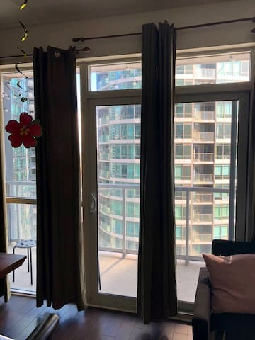 Enjoy great views - Fully Equipped 1BR downtown TO