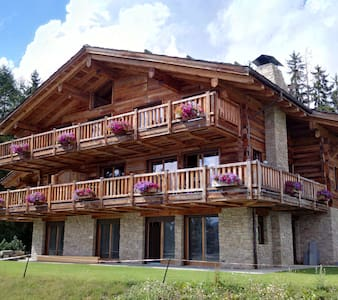 Newly built Chalet with a traditional feel - Montana - Apartemen