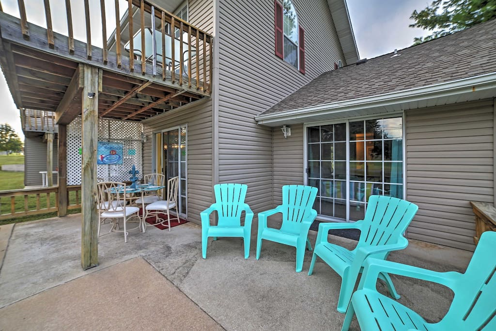 Relax on the patio in these chic Adirondack chairs.