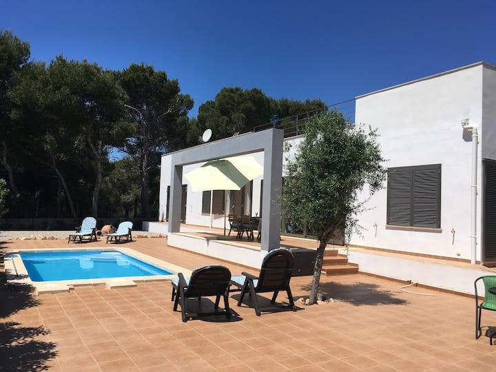"""Villa """"Llum i Sal"""" in Cala Pi. Private pool"""