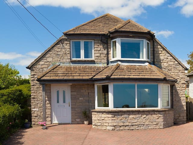 Worth Matravers Family Home with Amazing Sea Views