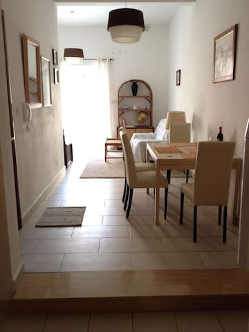 2 Bedroom , 3 mins from the sea - San Pawl il-Baħar - Byt