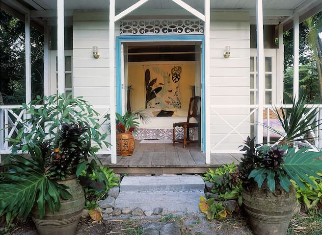 Frangipani Cottage Entrance