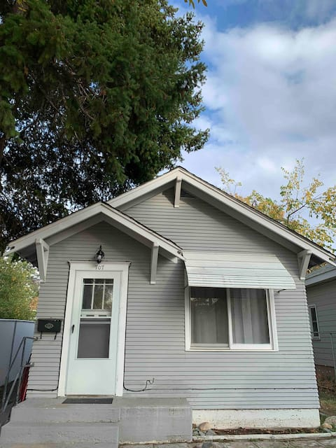 Cozy 1 bedroom home with patio near CM Russell