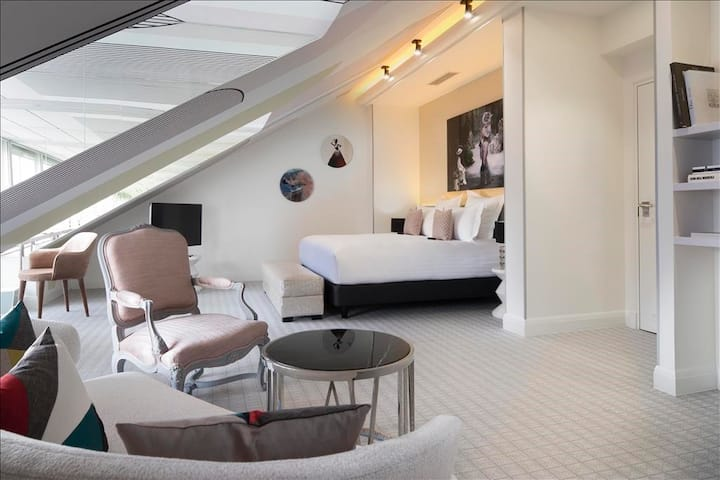 50 m² in the heart of the capital & SPA