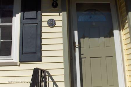 A Nice Clean Place - Mi Casa Su Casa II (Two) - Franklin Township