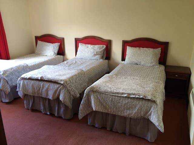 2 bedroom Suites! sleeps 1-5 - Tomintoul - ที่พักพร้อมอาหารเช้า