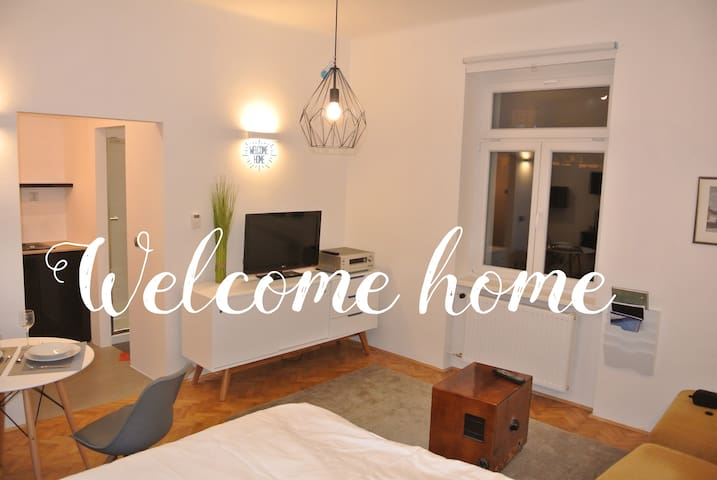 Modern studio in the heart of the city - Maribor - Appartement