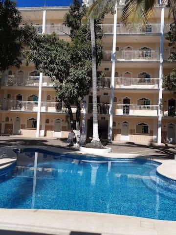 Hotel las cupulas