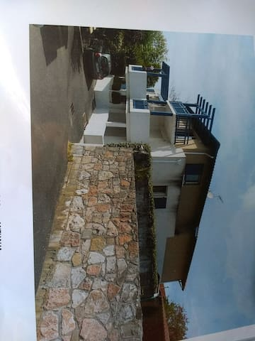 Coqueto apartamento tipo studio,balcón y parking