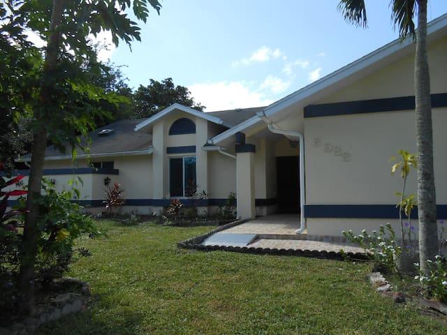 Marisol Estate 4
