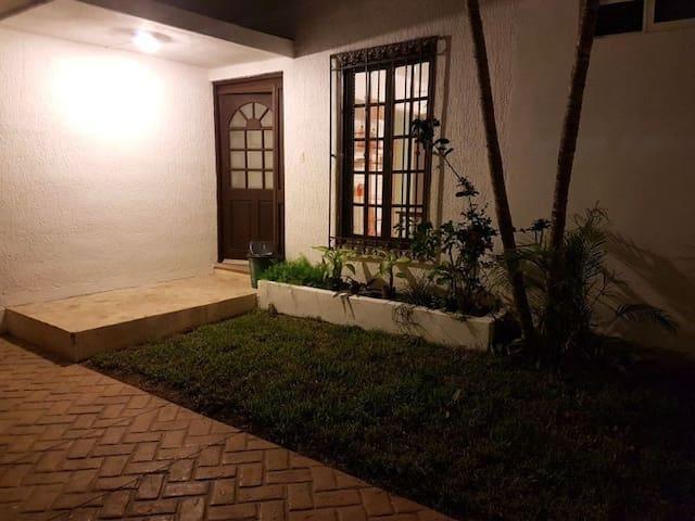 Habitaciones al mejor precio. Hostal Calle 13 - Mérida