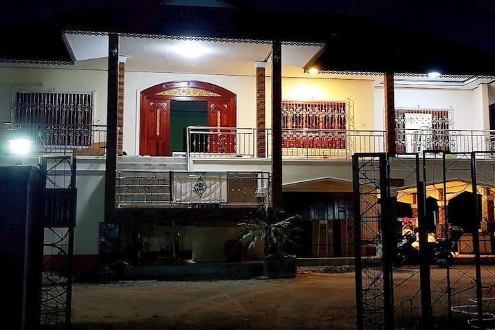 Khwahol Guesthouse & Restaurant