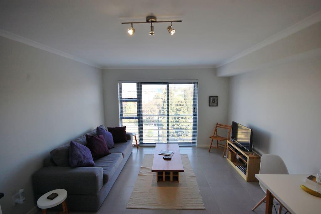 Open plan Lounge/Kitchen area.