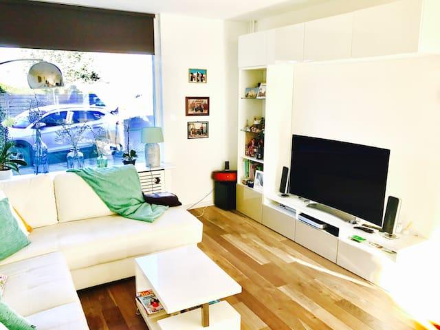 Full modern house near Amsterdam. - Badhoevedorp - Ev