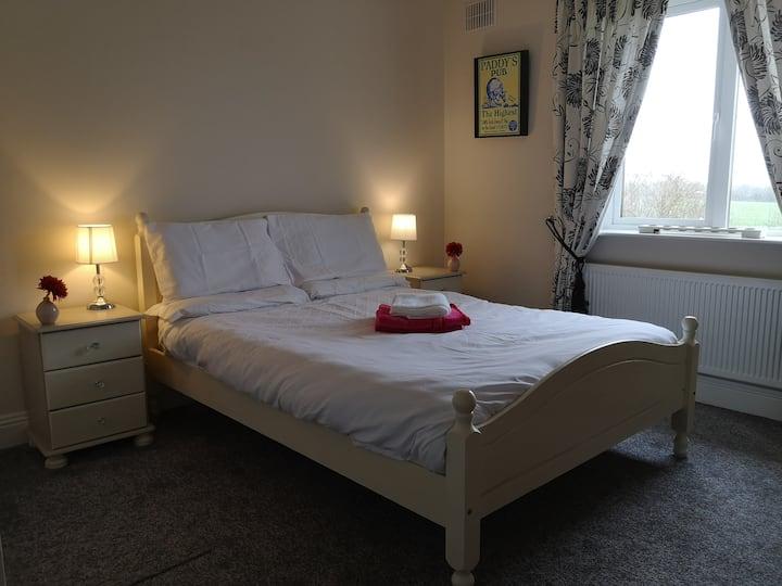 Private En-suite Double Room