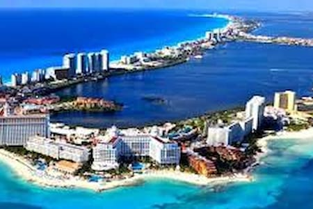 CANCUN'S NO 1 LISTING NEXT TO MARLIN BEACH - Канкун - Квартира