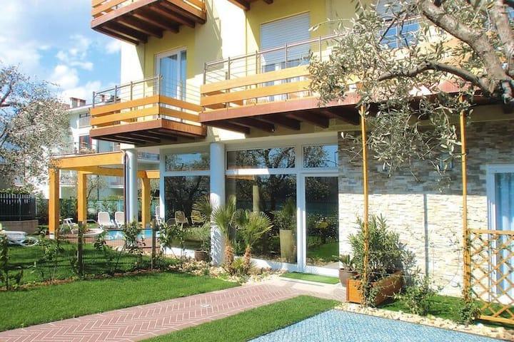 4 esrellas case en Riva del Garda