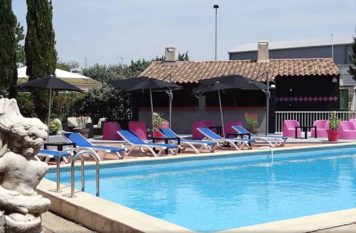 Appart'hotel familial proche de Marseille & Aix